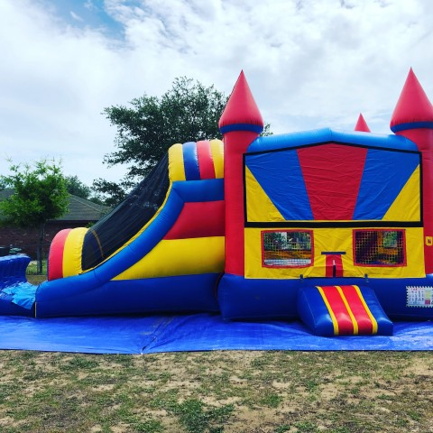 Bounce It Out Bounce House