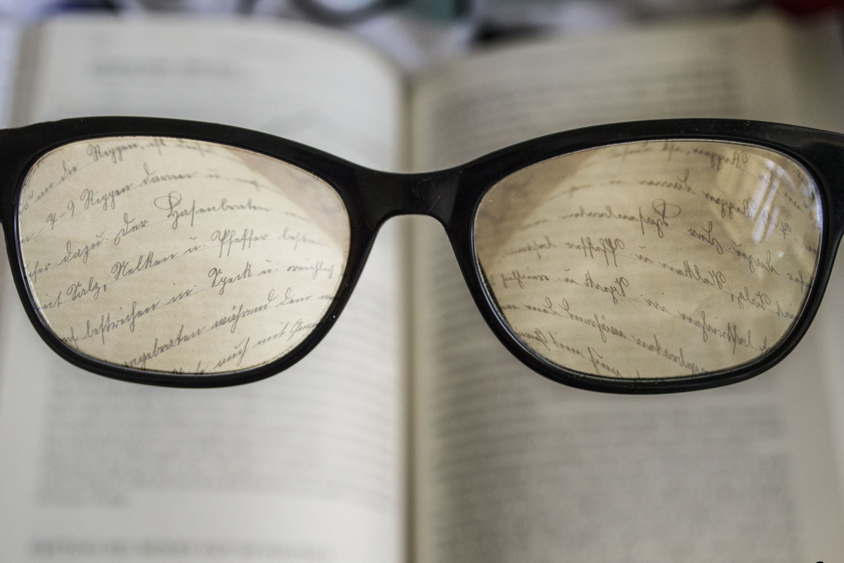 Realtimecampaign.Com Promotes the Use of Reading Glasses
