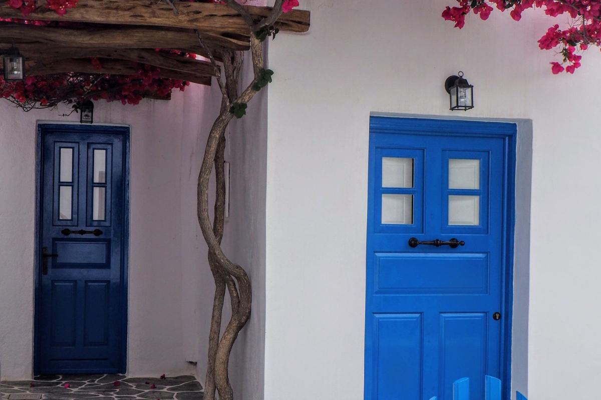 The Benefits of Door Hanger Flyers According to RealtimeCampaign.com