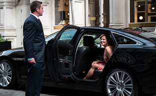 Luxury Car Hire Service Accommodates Vehicle Preferences for Airport Transfers