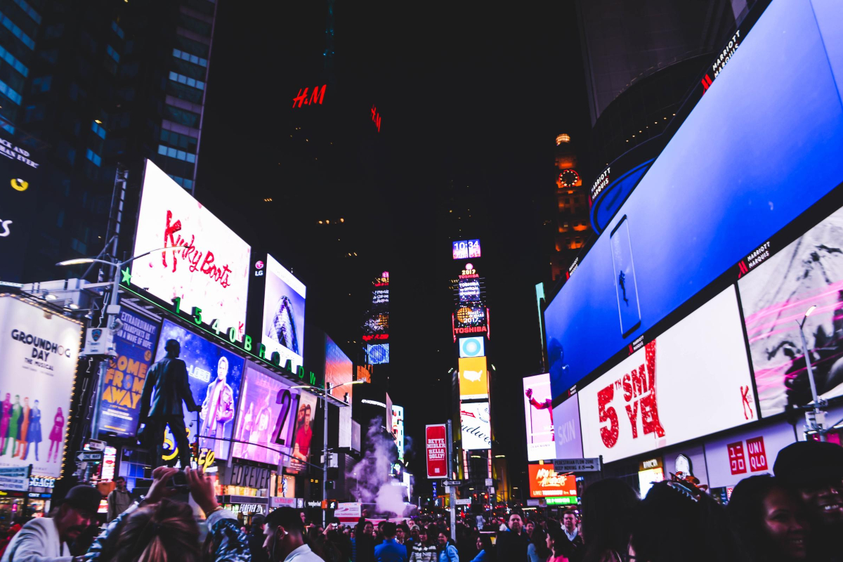 The Biggest Benefits of LED Display Screens According to RealtimeCampaign.com