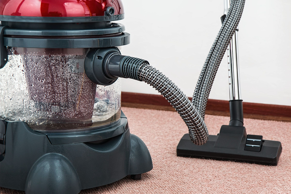 Commercial Cleaning Businesses Use Electrostatic Sprayers On The Job