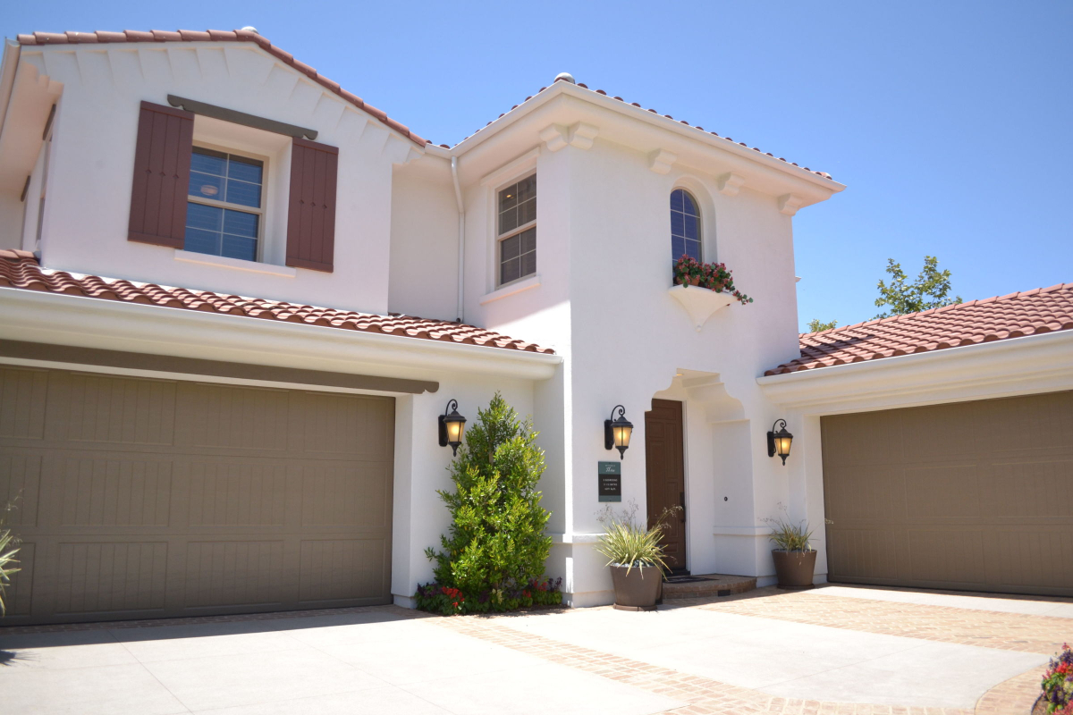Garage Door Repair and Installation Is Available in Katy, Texas