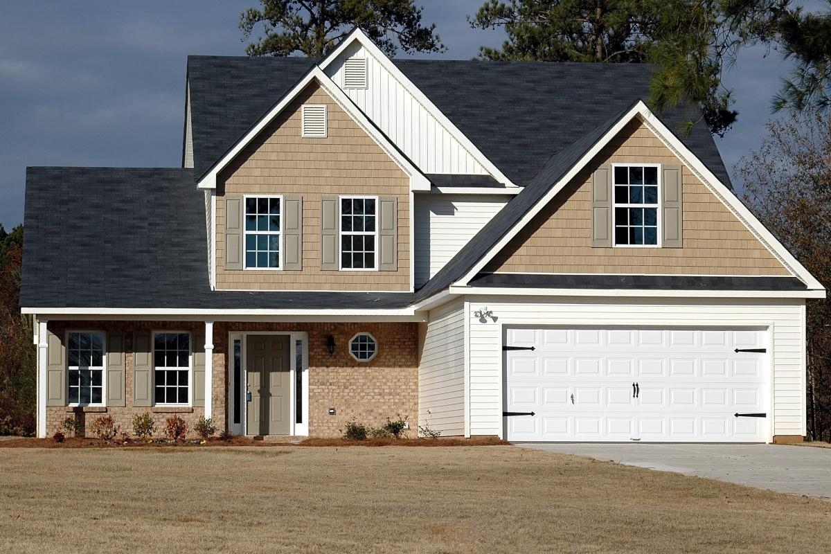 Garage Door Repair and Installation Is Available in Friendswood, Texas