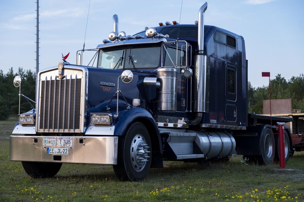 Diesel Mechanics Available in Houston for Commercial Trucks
