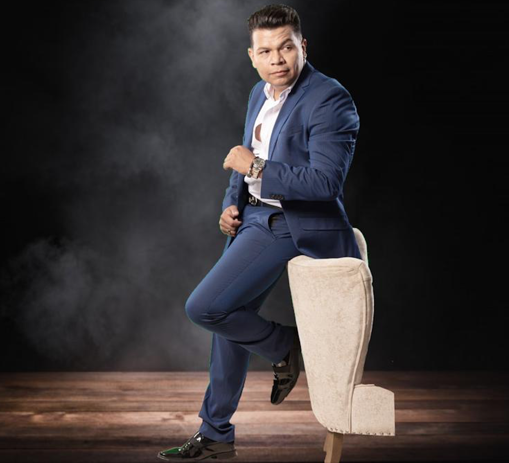 "Dwhight Molina invites to enjoy the TV Show ""Bienvenido America"""
