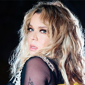 Ednita Nazario, the Latina Artist with Most Entries on the Billboard Charts, Releases Two Top Hits on All Platforms