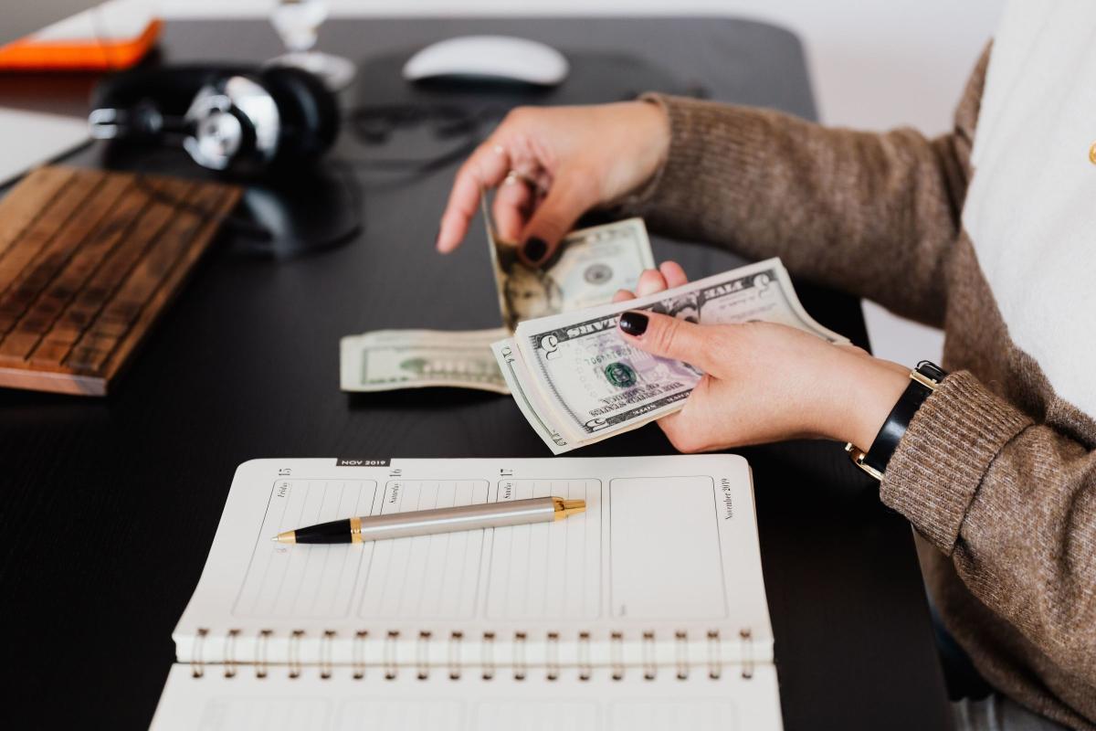 RealtimeCampaign.com Explains How Graduate Student Loans Work