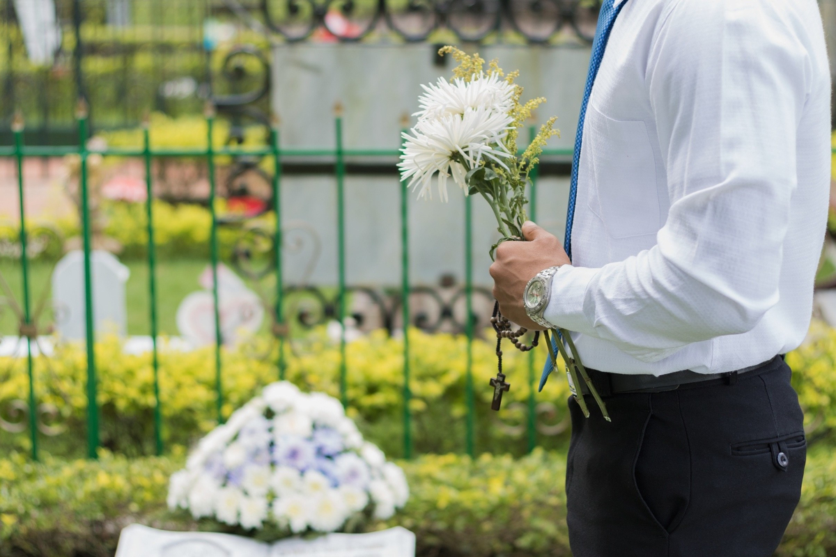 RealtimeCampaign.com Discusses Understanding Details That Can Affect The Average Funeral Cost
