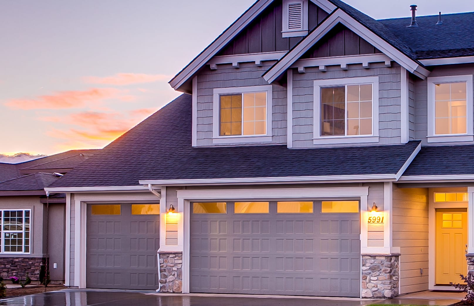 Garage Door Repair and Installation Available in Baytown, Texas
