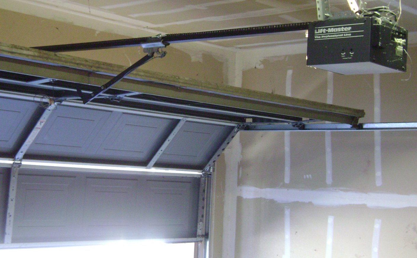 Garage Door Repair STL Expands its Services