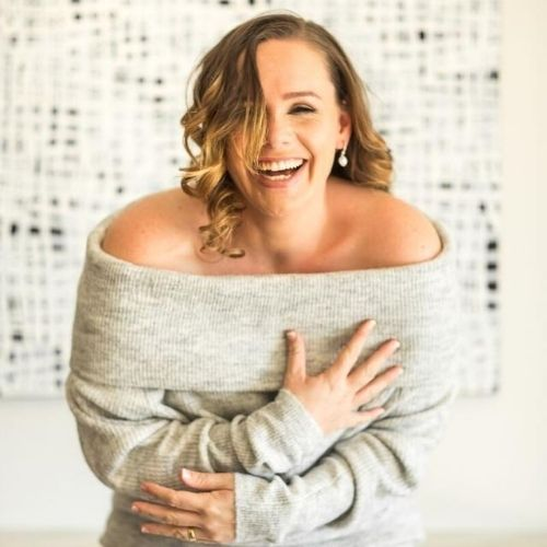 Anna TeRaki, International Business Coach, Helps Women Launch & Scale Their Coaching Businesses To 6 Figures and Beyond