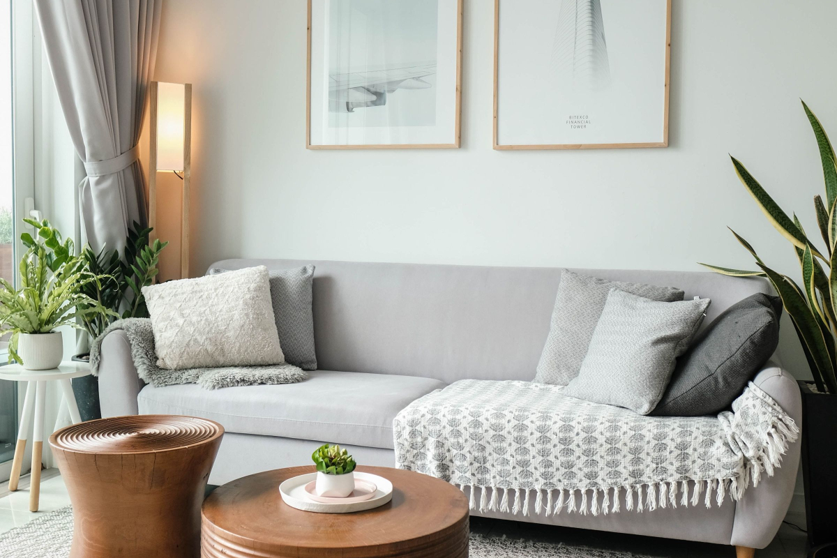 Utilizing Online Living Room Interior Design Firms to Revamp A Home According to RealtimeCampaign.com