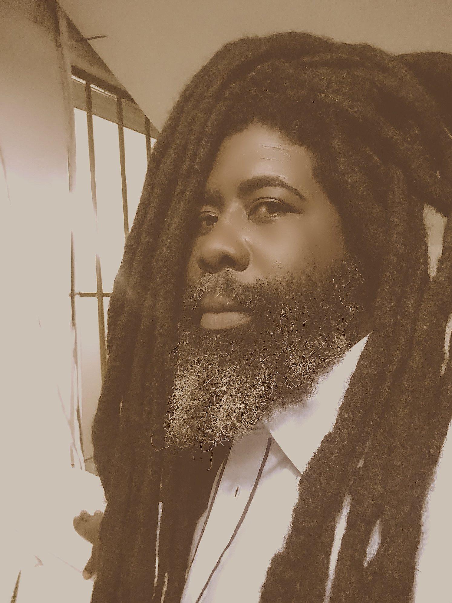 Mona Augustin Relates His Corona Experience Through Song