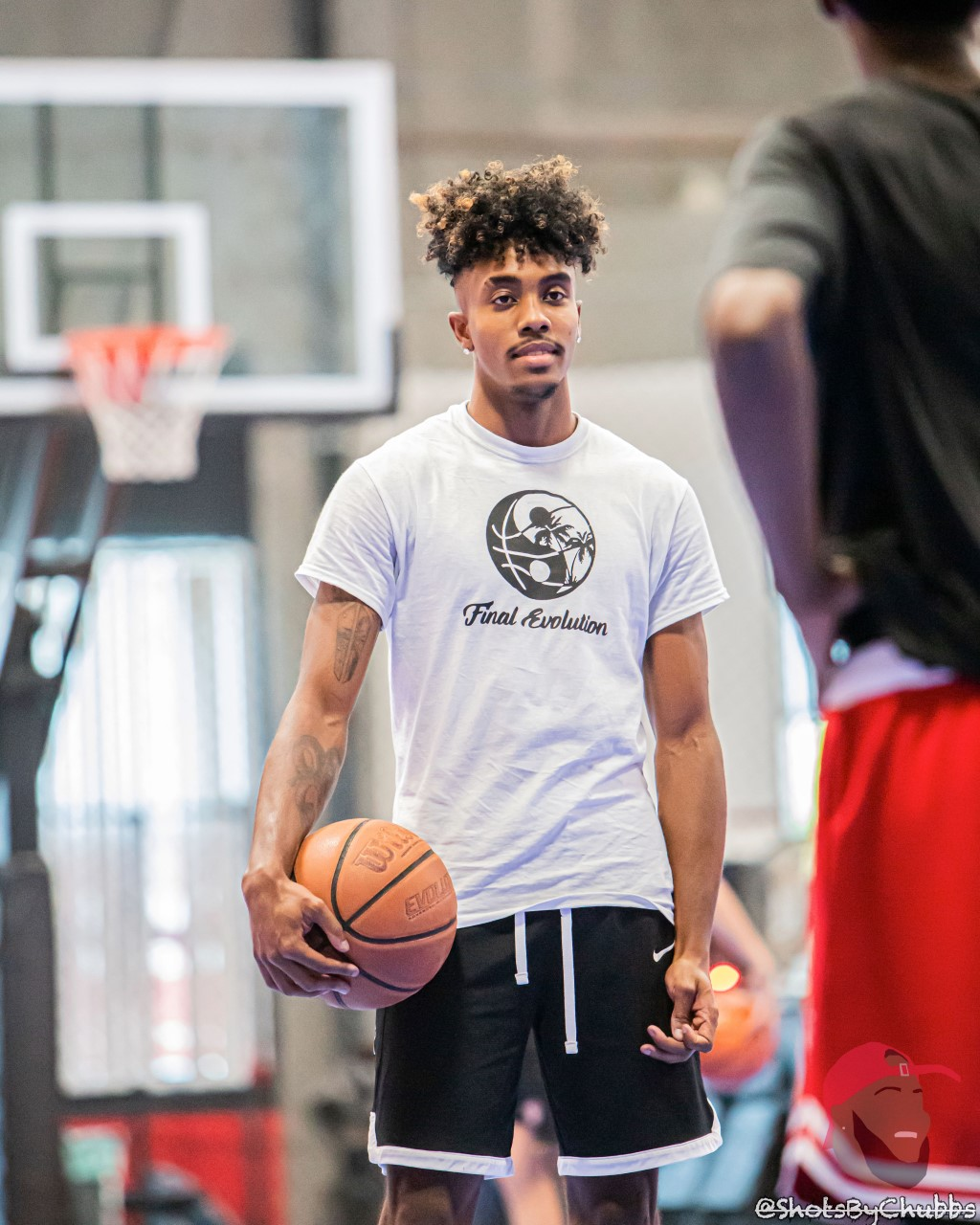 Pro Dunker, Elijah Bonds, Gives Hoopers a Leg Up with Jump Training Program