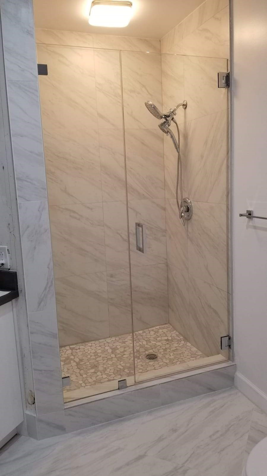 Hialeah Frameless Shower Door Company Announces New Service