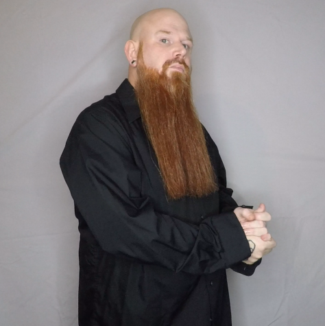 Veteran Podcaster Chuck Reeves Awarded Showman Of The Year At 2021 Texas National Beard And Moustache Competition