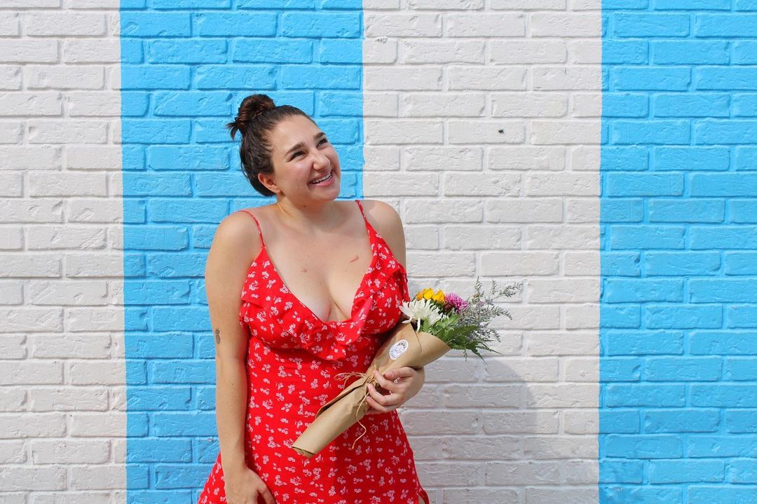 Instagram influencer, Angela Arena, shares her best tips for growing a brand in 2021.