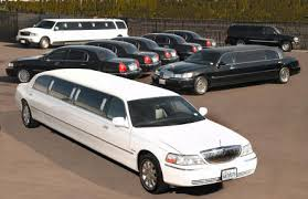 Renting a Wedding Limo Makes The Special Day Even Better