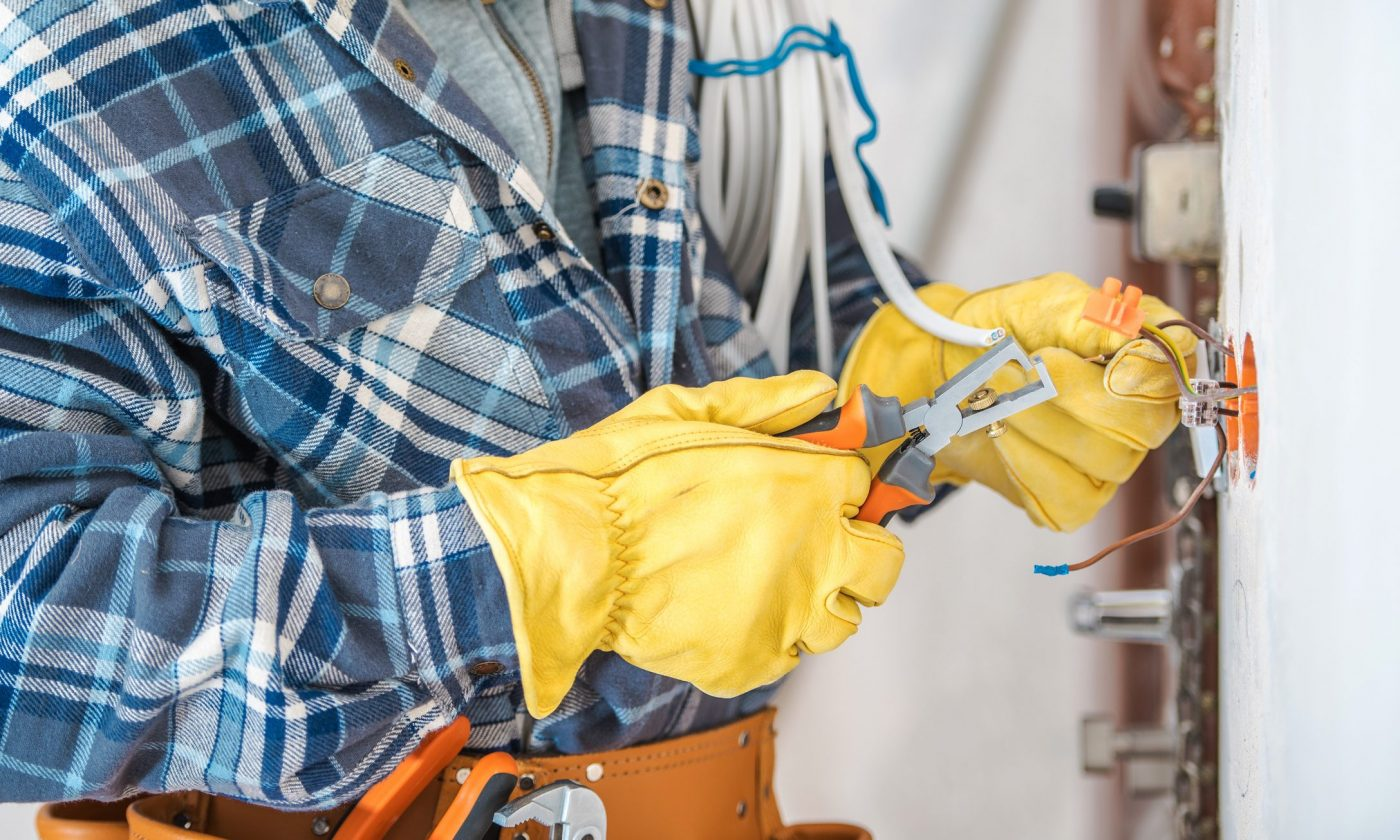 Home Remodeling Projects Require the Help of Professional Electricians