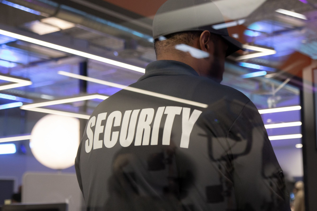 Realtimecampaign.com Explains What to Expect from Security Guard Services