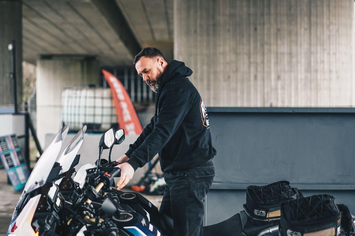Realtimecampaign.com Explains How to Buy a Honda CBX for Sale