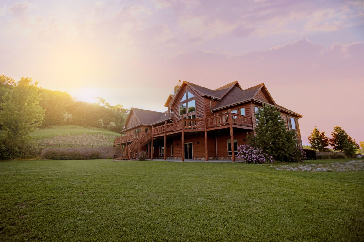 Realtimecampaign.com Promotes Hiring a Marin Real Estate Agent