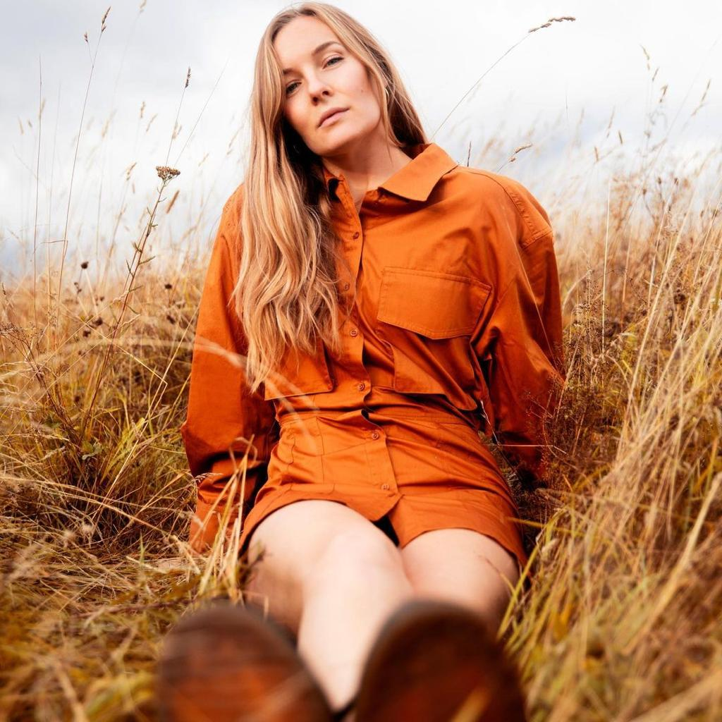 An Exclusive Chat - Swedish Singer Songwriter Josefine drops WEEKENDS