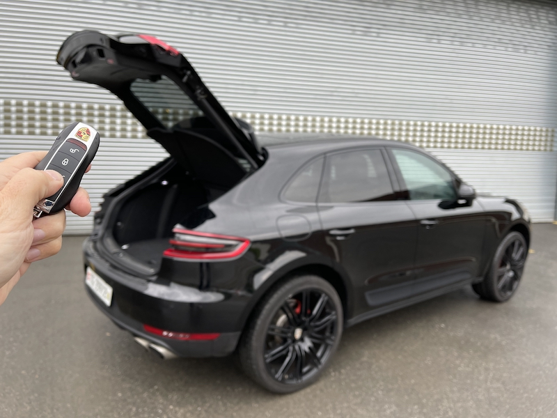 RemoteKEY comfort control by Mods4cars for Porsche Macan now available