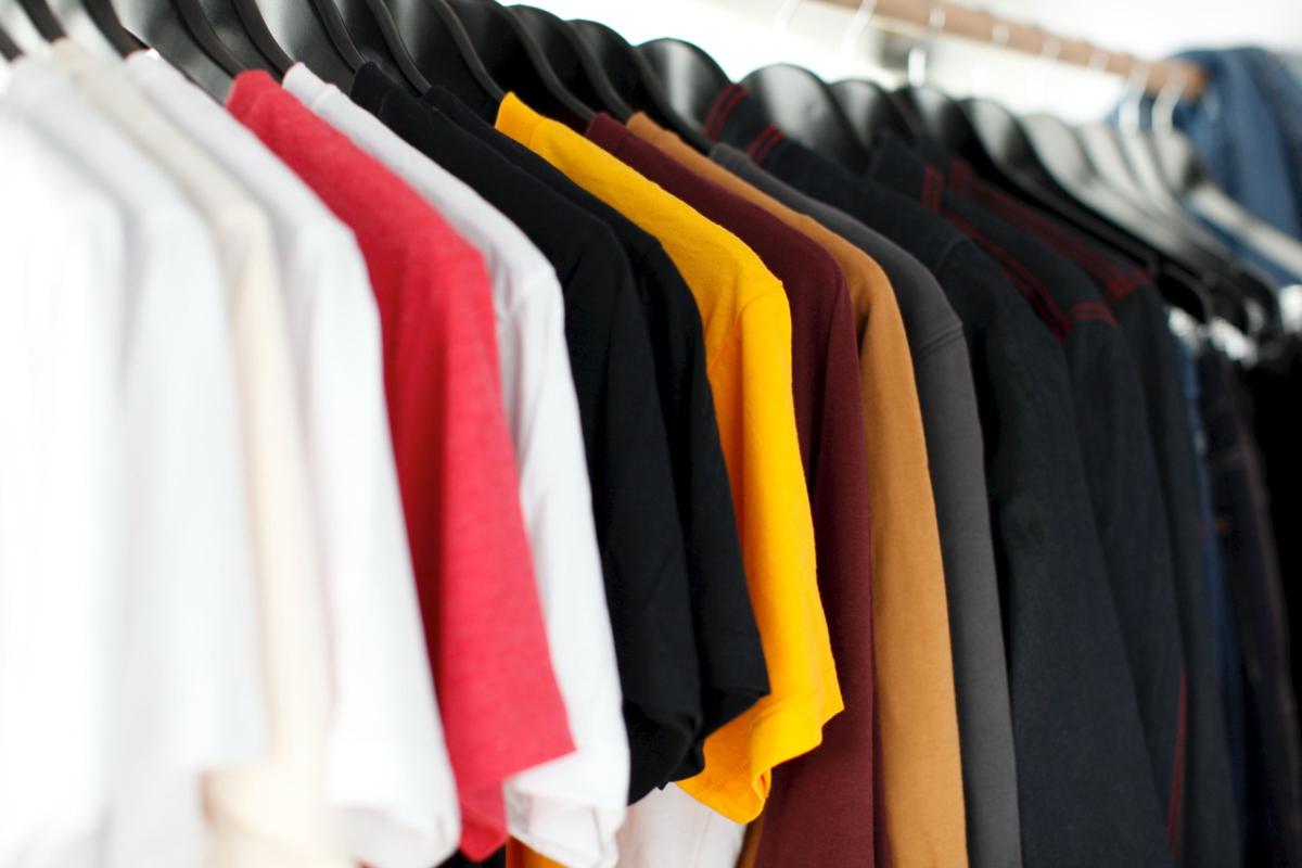 Realtimecampaign.com Explains Why a business Should Consider Custom Shirts