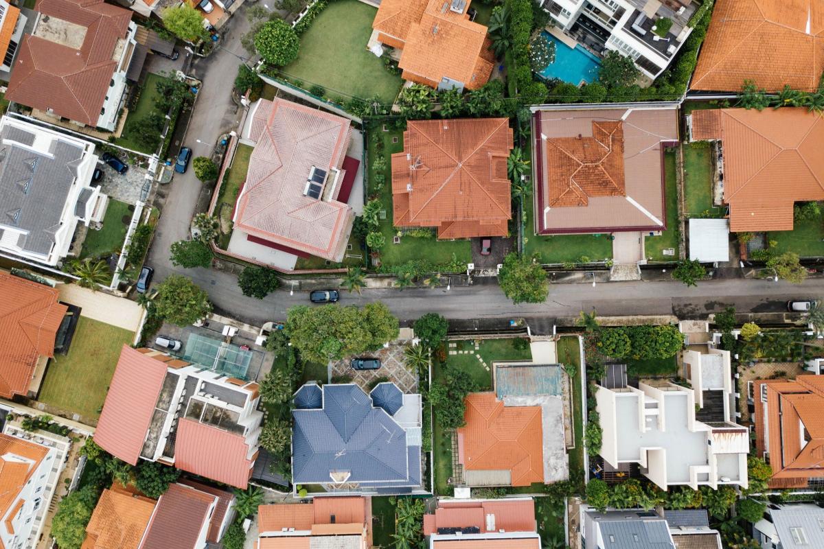 Realtimecampaign.com Explains How Professional Roofers Kansas City Benefit Homeowners