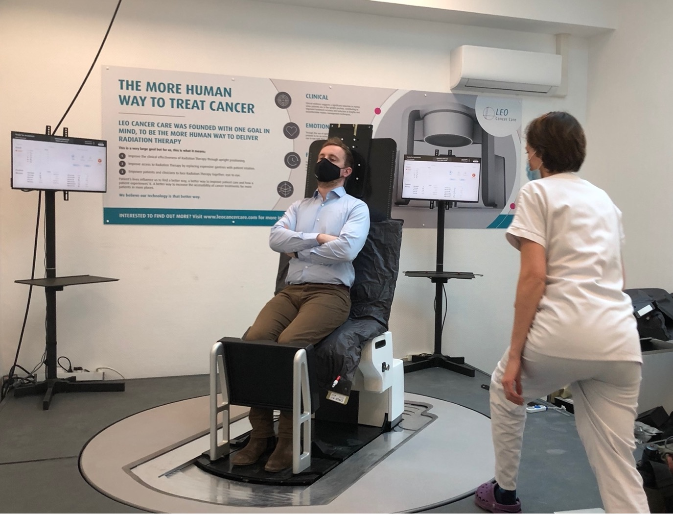 Leo Cancer Care And The Centre Léon Bérard Hospital Join Forces To Evaluate The Benefits Of Upright Positioning Within Radiation Oncology